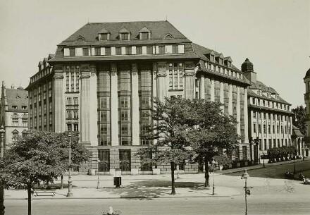 Speicher, Ansicht vom St. Privatplatz, 1931