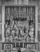 Schrein: Marienkrönung und Statuen heiliger Wolfgang (links) und heiliger Benedikt (rechts)