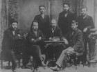 Moskau. Reproduktion einer Fotografie des Petersburger Kampfbundes für die Befreiung der Arbeiterklasse, 1897 (am Tisch in der Mitte: Lenin, rechts neben ihm: Julij Martow), für ein Buch im Lenin-Museum 1965 hergestellt