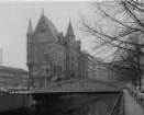 Hamburg-Altstadt (Speicherstadt), Am Sandtorkai 1. Kontorgebäude (E. 19. Jh.). Eckansicht mit Neuerwegsbrücke