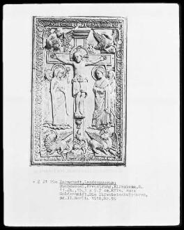Evangeliar aus Sankt Georg in Köln — Elfenbeinrelief mit Kupferblechrahmen — Christus am Kreuz mit Maria und Johannes