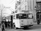 Dresden. O-Bus (Henschel II, Baujahr 1944) an der Endhaltestelle Dresden-Loschwitz, Körnerplatz