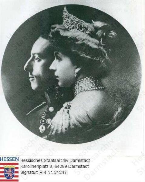 Alfons XIII. König v. Spanien (1886-1941) / Porträt im Profil mit Ehefrau Victoria Eugenia geb. Prinzessin von Battenberg (1887-1969), Brustbilder in Medaillon