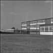Planetenring, Volksschule/Hauptschule Nikolaus                                        Kopernikus, Südwestansicht