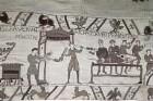 Der Teppich von Bayeux — 36. Szene: Die normannische Armee wird verpflegt
