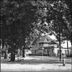 Dorfplatz/ Kastanienplatz, Blick auf                                        Kreissparkasse