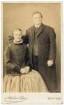 Ehepaar / Frau in sorbischer katholischer Tracht und Mann
