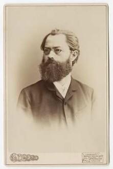 Porträt Oskar Lehmann (1847-1926; Philologe, Stenograph). Papier auf Karton; 16,5 x 10,7 cm. Aufnahme: Erstes Wiener Atelier. um 1887. Dresden: SLUB R g a 0051