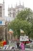 Dauerprotest gegenüber dem Parlament gegen Irak Krieg und Umweltzerstörung