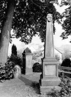 Friedhof, Grabstein