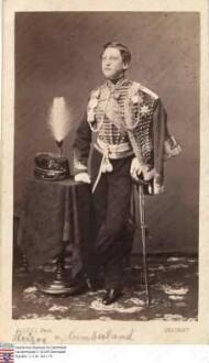 Ernst August Kronprinz v. Hannover (1845-1923), Sohn Georgs V. König v. Hannover / Porträt, Ganzfigur in Uniform, leicht rechtsgewandt