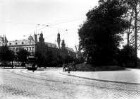 Hamburg. Historische Stadtansicht. Parkanlage mit Straßenbahn