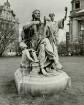 Hamburg-Neustadt, Sievekingplatz, Allegorie der Rechtsordnung vom Kaiser-Wilhelm-Denkmal