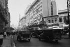 """Reisefotos Argentinien. Stadtbilder Buenos Aires. Straßenbild mit Gebäude """"Aproz Gallo"""""""