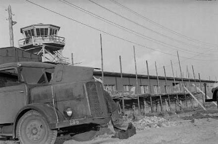 Verwaltungsgebäude des Flughafens Berlin-Tegel im Bau