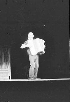 Scala: Grock spielt Schifferklavier