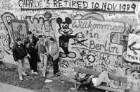 "Staatsgrenze zu Westberlin/ Berliner Mauer am Grenzübergang ""Checkpoint Charlie"""