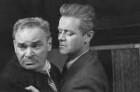 """Szenenbilder aus dem Drama """"Tod eines Handlungsreisenden"""" von Arthur Miller am Hebbel-Theater Berlin"""