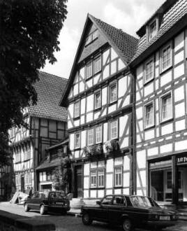 Kirchplatz 9