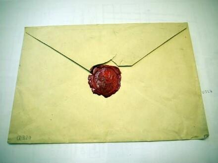 Briefumschlag an Prinz Friedrich von Preußen, adressiert nach Burg Rheinstein, abgesendet in Berlin