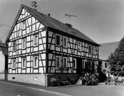 Holzburg Straße 7