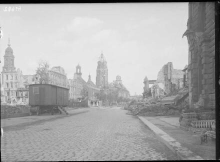 Blick gegen das Neue Rathaus, 1947