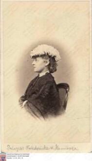 Friederike Prinzessin v. Hannover (1848-1926), Tochter Georgs V. König v. Hannover / Porträt, Brustbild, rechtsgewandt