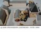 Leinwandhaus, Rekonstruktion - Modell des Gesamtgebäudes mit Treppenhausanbau und Umgebung