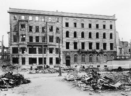 Ruine, 1947