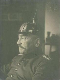 Julius Wilhelm von Meßmer, Oberleutnant, späterer Oberst, Brustbild