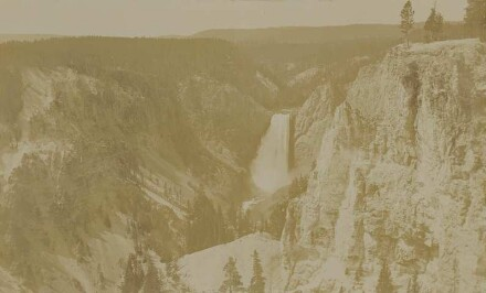 Yellowstone Park: Grand Canyon : from Lookout Point (2350 meters)