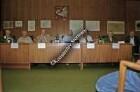 """2. Stormarner Kulturforum """"5 Tage im Mai: Kriegsende in Stormarn"""": Podiumsdiskussion im Kreistagssitzungssaal: Zeitzeugen auf dem Podium"""