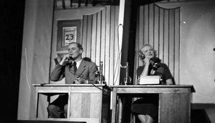 Kabarett der Komiker: Im Büro: Käutner und Theimer telefonieren