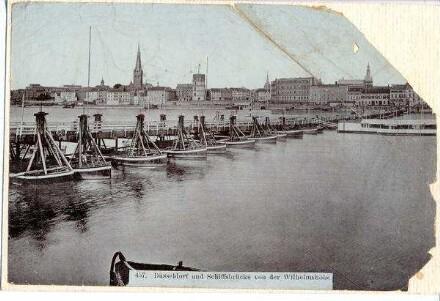 Düsseldorf und Schiffsbrücke von der Wilhelmshöhe