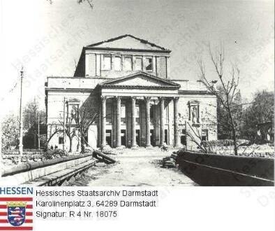 Darmstadt, Landestheater / Frontalansicht nach der Zerstörung am 12. September 1944