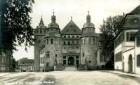 Speyer, Große Pfaffengasse 7: Historisches Museum der Pfalz. - Rechts: Domplatz    . Altbebauung am Museumsbuckel noch vorhanden. -