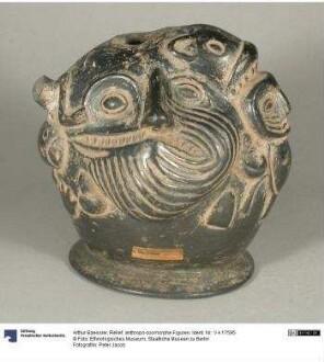 Relief: anthropo-zoomorphe Figuren