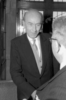 Freiburg: Regierungspräsidium; Bundesverdienstkreuz für Dr. Rupert Gießler