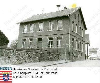 Maulbach, altes Schulgebäude / Straßenansicht