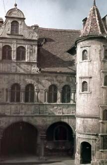 Teilansicht des Hofgebäudes mit Treppenturm von Nordwesten