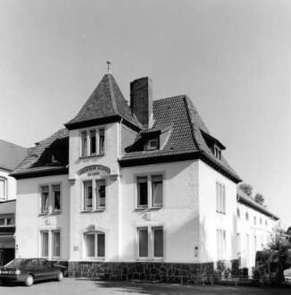 Jahnstraße 10