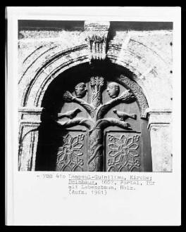 Portaltür mit Lebensbaum