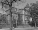 Dresden-Strehlen, Wasastraße 2. Villa (1897; R. Uebe). Straßenansicht