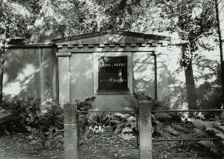 Innerer Neustädter Friedhof, Conradstraße, Friedensstraße; Grabmal für Elisa von der Recke und August Tiedge