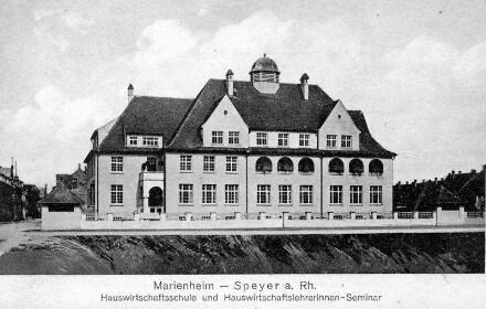 Speyer, Ludwigstr. 63: Marienheim, - Hauswirtschaftsschule und Hauswirtschaftslehrerinnen-Seminar.