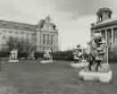 Hamburg-Neustadt, Sievekingplatz, Allegorische Gruppen vom Kaiser-Wilhelm-Denkmal