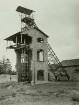 Tschechien, Jeleni (Hirschenstand), Schachtanlage mit zerstörtem Förderturm, Grube Gottes Segen