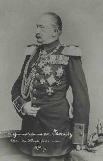 Hugo von Obernitz, General, Kommandeur der Württ. Felddivision 1870/71, stehend, in Uniform des preuss. Grenadier-Regimentes Nr. 4 mit Orden, Brustbild in Halbprofil
