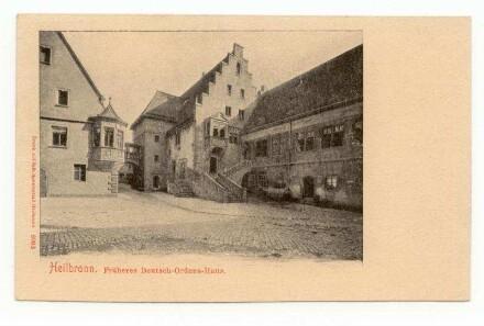 """""""Früheres Deutsch-Ordens-Haus"""" - kleiner Deutschhof mit Freitreppe, Staffelgiebelhaus und Komturwappen-Erker"""