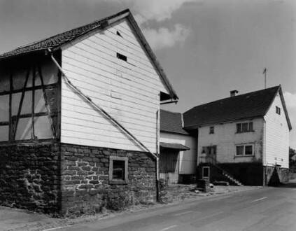 Zeller Straße 8